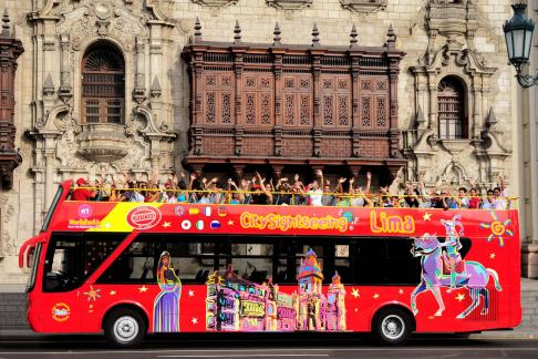City Sightseeing Lima at Night + Fountains Tour