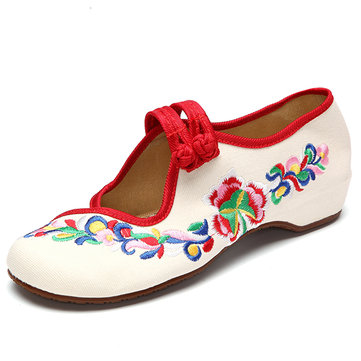 Flower Embroidered Chinese Knot Slip On Retro Flat Loafers