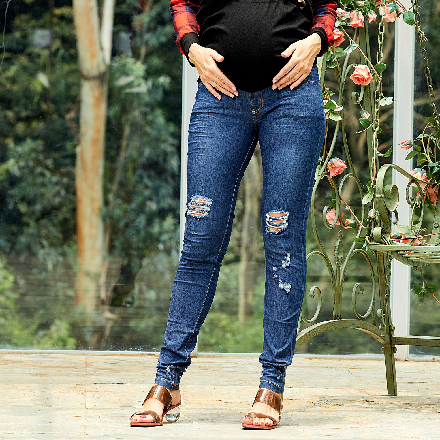 Fashionable Ripped Maternity Jeans